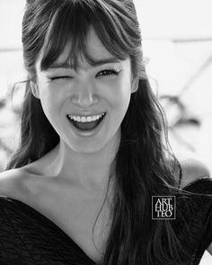 ➡credit to rightful owner Song Hye Kyo Style, Songsong Couple, Art Hub, Vogue Korea, Song Joong Ki, Portraits, Happy People, Best Actress, Korean Actors