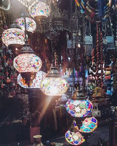 Freitag ist Markttag in Muscat, Oman © Nedzad Hujdurovic Muscat, Middle East, Places To See, Glass Art, Design, Last Minute Vacation, Design Comics, Glass Craft