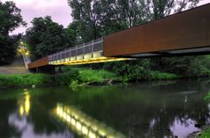 Ponte Wupper em Opladen / Ağırbaş & Wienstroer
