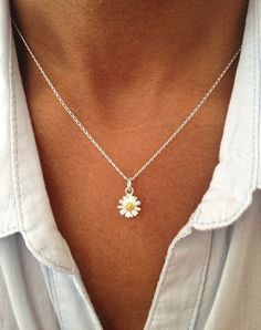 Sterling Silver Daisy Necklace Floral Necklace by PABJewellery