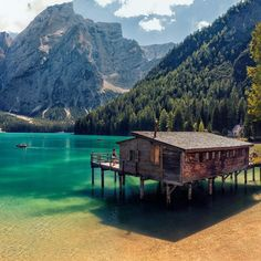 Lakeside cabin at Pragser Wildsee