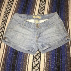 Cute JEAN shorts for the summer. Worn as high waisted. TYTE BY AMERICAN STANDARD. MINT CONDITION Tyte by american standard Shorts Jean Shorts