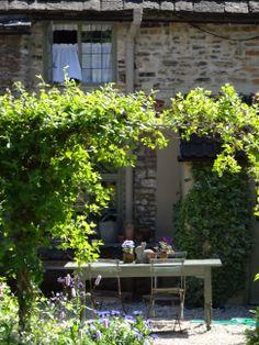 Beth's courtyard garden Castle Combe, England