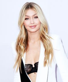 The 3 rules supermodel Gigi Hadid swears by [[ short and sweet interview]] Yolanda Foster, Bella Hadid, Sports Illustrated, Blonde Sombre, Sara Foster, Gigi Hadid Style, Natural Hair Styles, Long Hair Styles, Fashion Week 2015