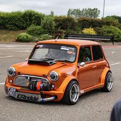 Verrückter Turbo Mini Cooper ❤💜💖💟💗💚💙💛 – … – Cars and Bikes – Super Autos Classic Mini, Mini Cooper Classic, Mini Cooper S, Classic Cars, 147 Fiat, Supercars, Car Tuning, Modified Cars, Amazing Cars