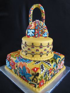 This is a really good idea!!  This cake is in the color provencal. I would maybe do it in lola or citron.  This would be super hard to do, but worth it. It would work well for a birthday or any other celebration!