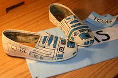 Custom R2D2 TOMs shoes.