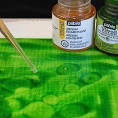 Vitrail paint and paint lightener Pebeo Vitrail, Pebeo Paint, Pour Painting, New Crafts, Art Portfolio, Art Techniques, Doodle Art, Mixed Media Art, Art Supplies