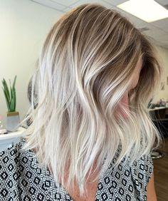 Blonde Highlights Short Hair, Short Blonde, Blonde Color, Bright Blonde, Bright Highlights, Short Hair Trends, Short Hair Styles, Blonde Hair Looks, Super Blonde Hair