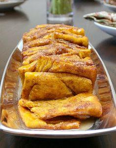 Pumpkin Spice Pull Apart Bread with Bourdon Glaze