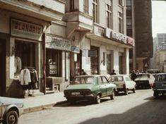 Romania 1984-1986 vazuta din ambasada SUA | Muzeul de Fotografie Bucharest, Socialism, Time Travel, Romania, Russia, Street View, Traveling, Branding, Retro