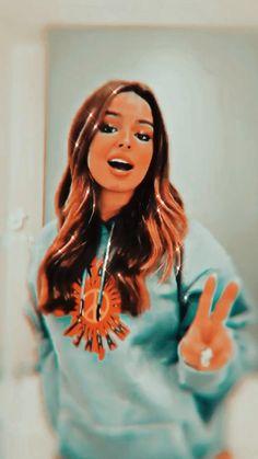 Angel Aesthetic, Badass Aesthetic, Aesthetic People, Aesthetic Colors, Aesthetic Videos, Aesthetic Girl, Funny Disney Jokes, Diy Barbie Clothes, Purple Wallpaper Iphone
