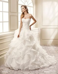 Sleeveless, sweetheart neckline, ball gown, organza and embroidered lace with Venice beaded appliques wedding dress.