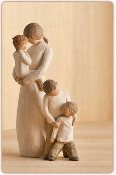 Willow Tree Mother & Baby Boy Or Girl With Two Sons Figurines Willow Figurines, Willow Tree Figures, Willow Tree Nativity, Willow Tree Angels, Sculptures Céramiques, Tree Sculpture, 3 Kids, Three Kids, Willow Tree Family