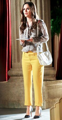 Season 2, Episode 19 Zoe Hart (Rachel Bilson) accessorizes her Rag & Bone ensemble, with an Alexander McQueen satchel, Gorjana earrings, a Symbiotique necklace, and Alice + Olivia pumps (similar styles available for $295 at aliceandolivia.com).