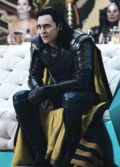 """"" Loki in Thor: Ragnarok "" "" Thor Y Loki, Loki Marvel, Marvel Actors, Marvel Characters, Thomas William Hiddleston, Tom Hiddleston Loki, Bucky Barnes, Benedict Cumberbatch, Bob Marley"