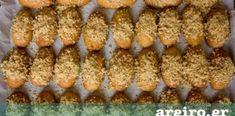 Μυστικά για τα τελειότερα μελομακάρονα Greek Desserts, Greek Recipes, Cinnamon Rolls, Baked Potato, Biscuits, Diy And Crafts, Sweets, Vegetables, Breakfast