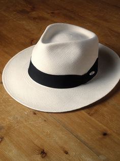 Classic Panama from Ben Silver Sun Hats For Women, Hats For Men, Panama Hat Men, Stylish Hats, Estilo Boho, Dress Hats, Outfits With Hats, Custom Hats, Well Dressed Men