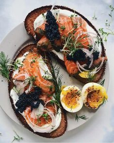 This Sourdough Toast with Yogurt, Gravlax, and Caviar recipe is featured in the Breakfast Eggs feed along with many more. Tartine Recipe, Best Keto Meals, Best Toasts, Caviar Recipes, Great Recipes, Favorite Recipes, Cooking Recipes, Healthy Recipes, Xmas Food