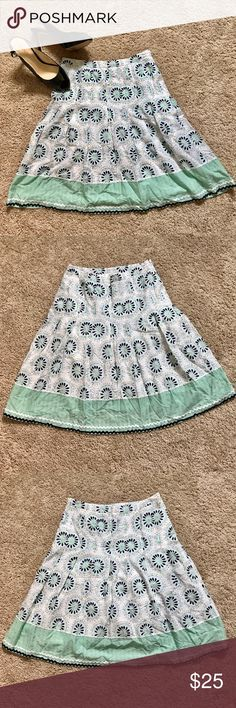 Mint Loft patterned skirt 0P Gorgeous mint colored patterned Loft skirt size 0P LOFT Skirts A-Line or Full