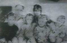 Richter: Familie Ruhnau  The Ruhnau Family  1968  130 cm x 200 cm  Oil on canvas