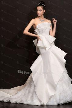 0d8c701dcb4b Satin stroppeløs kapell tog a-linje brudekjole - Focus Vogue