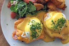 Brunching outside Toronto is the thing to do when visiting family in the 'burbs or making a pit stop en route to cottage country. These Southern Ontario eateries range from fancy buffets and boozy ...
