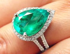 beautiful pear shaped genuine emerald rings and emerald engagement rings
