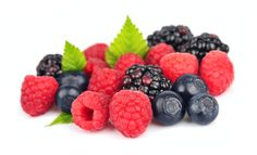 Study: The Surprising Health Benefits of Berries - DietAnalytics Tea Benefits, Health Benefits, Health Tips, Benefits Of Berries, Vegetable Benefits, Flu Prevention, Benefits Of Running, Help Losing Weight, Lose Weight