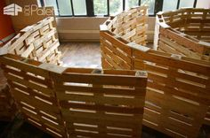Jaw: Architectural Pallet Structure Built for the Sunflower Maze in Mons 2015 Store Free Wood Pallets, 1001 Pallets, Recycled Pallets, Wooden Pallets, Pallet Walls, Pallet Fence, Pallet Couch, Pallet Bar, Outdoor Pallet