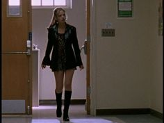"When Buffy wore this 70's throwback look | The 27 Most '90s Outfits Worn On ""Buffy The Vampire Slayer"""