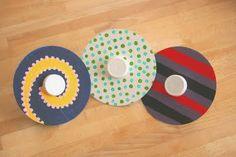Quieren hacer un lindo juego para los peques??? Qué opinan de estas peonzas reciclando materiales como los viejos cds..