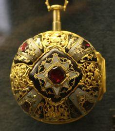 Antique Pocket Watch - Ashmolean Museum by noriko. Antique Watches, Antique Clocks, Vintage Watches, Old Pocket Watches, Pocket Watch Antique, Ancient Jewelry, Antique Jewelry, Vintage Jewelry, Silver Jewelry