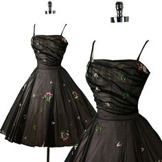 1950s Elegant Bombshell Embroidered Organza Cocktail Party Dress