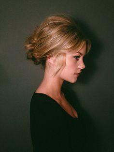 Brigitte Bardot inspired low chignon {tutorial} #UpdosClassic