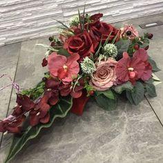 Stroik na grób/kompozycja nagrobna Toruń • OLX.pl Tropical Floral Arrangements, Funeral, Decoupage, Centerpieces, Floral Wreath, Wreaths, Art Floral, Ikebana, Flowers