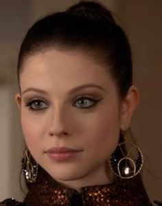 michelle trachtenberg as georgina sparks   admit it, we all have a little bit or georgina sparks in us.