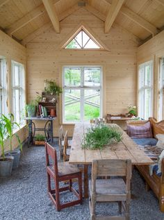 Porches, Garage Plans With Loft, Shed Cabin, Red Cottage, Outdoor Furniture Sets, Outdoor Decor, Cafe Design, Sustainable Living, Cozy House
