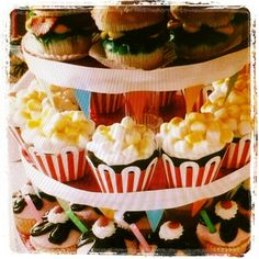 #loveit  #fun #food #cupcake#hotdog - @izanequadros- #webstagram