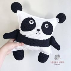 New pattern alert! It's another ragdoll plushie pattern, of course. This time a panda! Crochet Bebe, Crochet Dolls, Crochet Yarn, Free Crochet, Crochet Afghans, Plushie Patterns, Crotchet Patterns, Crochet Accessories Free Pattern, Crochet Pillow