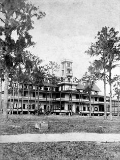The first Tropical Hotel - Kissimmee, Florida