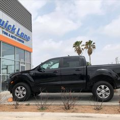 Check out the 2020 Ford Ranger before & after powered by Quick Lane 😎 Installed: #readylift Leveling Kit, 18 Inch Matte Black #fueloffroadwheels Wrapped On Some #nittoridgegrapplertires & Topped It Off With Some #nfab Black Side Steps. Come Get Accessorized! Call or visit us TODAY!! 📍 211 S. McColl Rd, Edinburg, TX 📞 (956) 219-2280 2020 Ford Ranger, Nitto Ridge Grappler, Used Ford, Black Side, Cool Trucks, Matte Black, Beast, Kit, Adventure