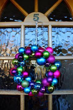 Bauble wreath diy