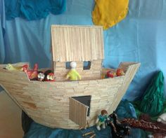 Arka Noego, praca trzeciej klasy, glina i drewno