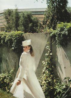 | Vogue Paris | Octobre 1979 | Claude Montana | Fashion Story: L'hiver en avant garde | Photography: Joe Goffney | #Vogue #VogueParis #ClaudeMontana #Montana #Vintage #VintageClothing #70s #1979 #70sFashion #white #photography #JoeGoffney #fashion #style #mode #VintageFashion #VintageStyle #Designer