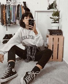 Amazing Oversized Sweater Outfits To Try This Season pullover Oversized Sweater Outfit, Sweater Outfits, Oversized Sweaters, Pullover Outfits, Vintage Outfits, Retro Outfits, Hippie Outfits, Trendy Fall Outfits, Casual Outfits