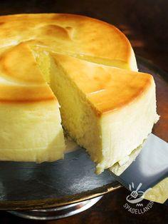 La Bavarese alla Malvasia è un dolce al cucchiaio dal gusto profumato e amabile, che conquisterà anche i palati più raffinati e difficili da soddisfare.