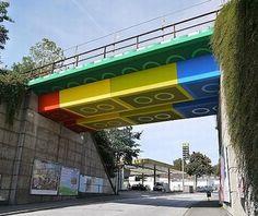 Viaduto de São Paulo pintado em forma de Lego
