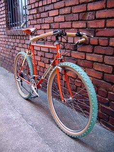 Bridgestone MTB with cool tires! Touring Bicycles, Touring Bike, Cool Bicycles, Cool Bikes, Velo Biking, Bicycle Safety, Bmx, Retro Bike, Urban Bike