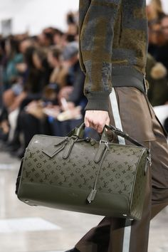 #TIMELESSBAGS Pinterest - @houstonsoho | @LouisVuitton #FW2016 Menswear Fashion Show. #LUXURYHEAT